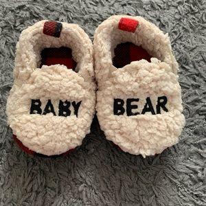 Dearfoams baby bear slippers